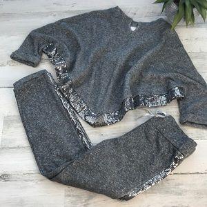 Xhilaration gray sparkle jogger outfit size M